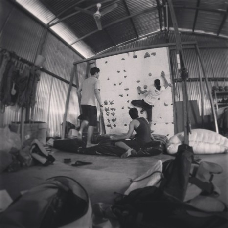 Yangon Boulder #tccm #yangon #yangon_boulder_project #burma #bouldering #buddies #gettinhighwithoutdrugs #climboclock https://instagram.com/p/yWfbw9yxka/