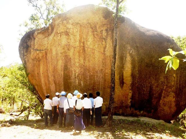 boulder-gabani